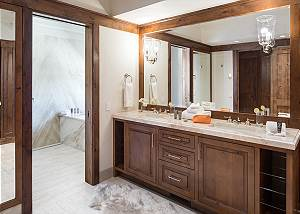Master 2 Bath - Chateau on the West Bank - Jackson Luxury Villa