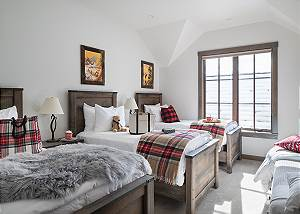 Guest Bedroom 2 - Four Pines 102 - Teton Village Luxury Rental