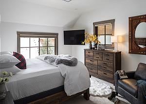 Guest Bedroom 1 - Four Pines 102 - Teton Village Luxury Rental