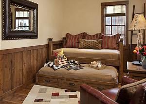 Trundle Room - Shooting Star Cabin - Luxury Villa - Wyoming