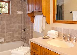 Full Bath 1 - Catamount - Teton Village Luxury Vacation Cabin