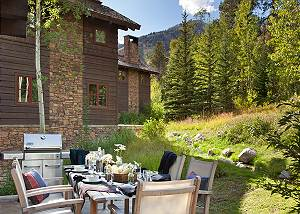Outdoor Dining - Granite Ridge Lodge - Luxury Teton Village Cabi