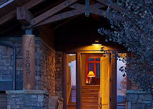 Front Door - Granite Ridge Lodge - Luxury Teton Village Cabin