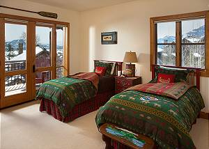 Guest Bed 3 - Granite Ridge Lodge - Luxury Teton Village Cabin