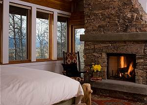 Master Bed - Overlook - Luxury Vacation Rental Jackson Hole