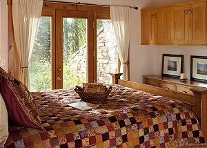 Guest Bed 1 - Overlook - Luxury Vacation Rental - Jackson Hole
