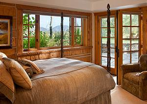 Guest Bed 2 - Riversong Lodge - Luxury Rental Jackson Hole