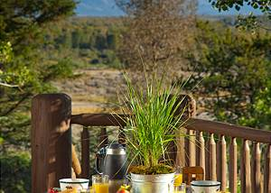 Outdoor Dining - Riversong Lodge - Luxury  Rental Jackson Hole