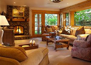 Den - Riversong Lodge -Luxury Vacation Rental Jackson Hole
