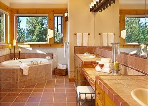 Guest Bath 1 - Riversong Lodge - Luxury Rental Jackson Hole