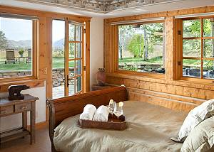 Guest Bed - Riversong Lodge - Luxury Rental Jackson Hole, WY