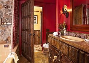 Full Bathroom - The Cabin - Jackson Hole Luxury Cabin Rental