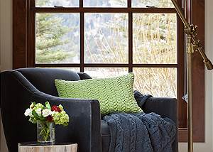 Guest Bed 1 - Shooting Star Cabin - Luxury Villa Teton Village,