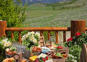 Outdoor Dining - Home on the Range - Jackson Hole Cabin