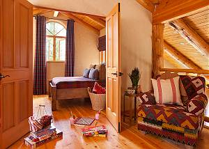 Landing Guest Bed 2 - Home on the Range - Jackson Hole Cabin