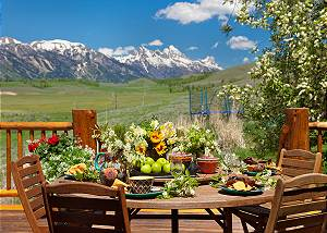 Outdoor Dining - Home on the Range - Jackson Hole Luxury Cabin