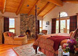 Master Bed - Home on the Range - Jackson Hole Luxury Cabin
