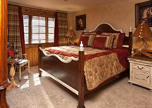 Guest Bed 1 - Shoshone Lodge - Luxury Villa - Jackson Hole, WY