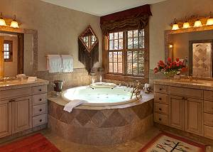 Master Bed - Shoshone Lodge - Luxury Villa - Jackson Hole, WY