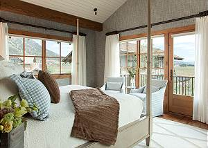 Master Bed - Canyonland - Teton Village Luxury Vacation Villa