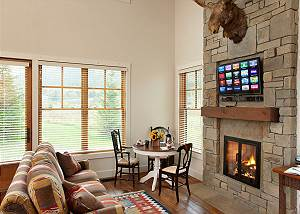 Guest House - Canyonland - Teton Village Luxury Vacation Villa