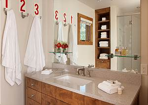 Full Bathroom - Canyonland - Teton Village Luxury Vacation Villa