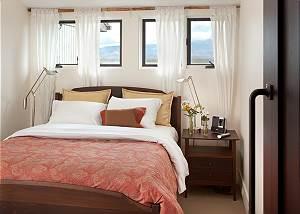 Guest Bedroom 1 - Snow Ridge - Luxury Private Villa Rental - Tet