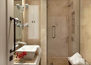 Full Bathroom 4 - Snow Ridge - Luxury Private Villa Rental - Tet