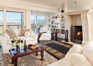 Great Room - Snow Ridge - Luxury Private Villa Rental - Teton Vi