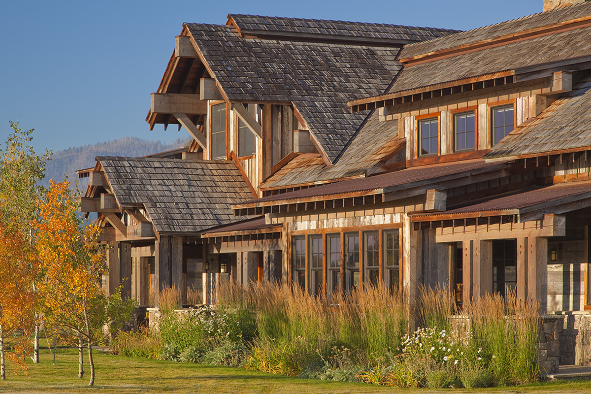 Tccg big sky luxury vacation rental lodging in jackson for Jackson wyoming cabin rentals