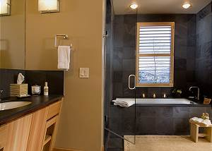 Master Bath - Ranchview Lodge - Luxury Villa Rental Jackson, WY