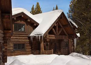 Exterior - Lost in the Woods - Luxury Vacation Rental Cabin