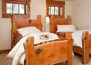 Guest Bed 1 - Lost in the Woods - Jackson Hole Luxury Cabin