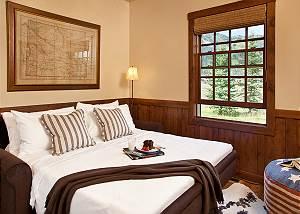 Media Room  - Shooting Star Cabin - Luxury Villa - Shooting Star