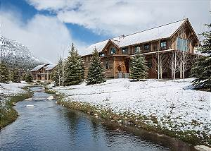 Fish Creek Lodge 75
