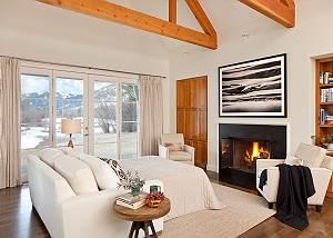 Great Room - Pines Garden - Luxury Vacation Cottage Jackson