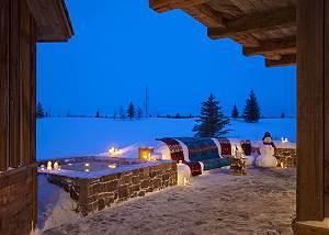 Hot Tub - Shooting Star Cabin - Luxury Villa Rental - Teton Vill