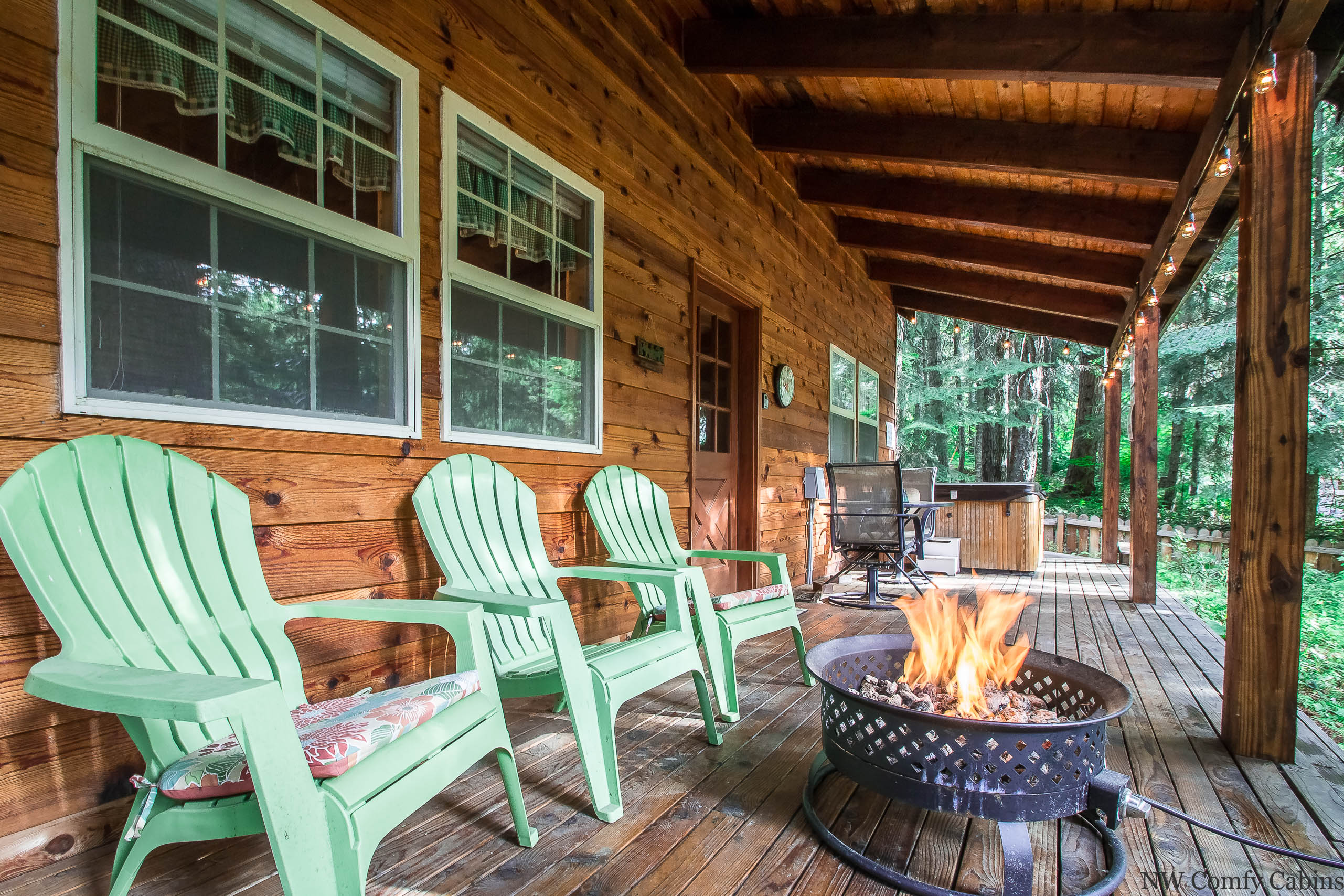 Chipmunk Lodge Nw Comfy Cabins Vacation Rentals