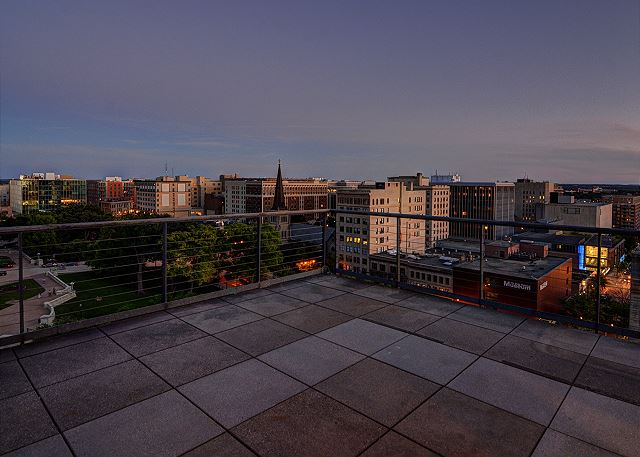 Condos After Dark 100 Wisconsin Avenue >> Madison Wi United States Madison Capitol Penthouse The Conger