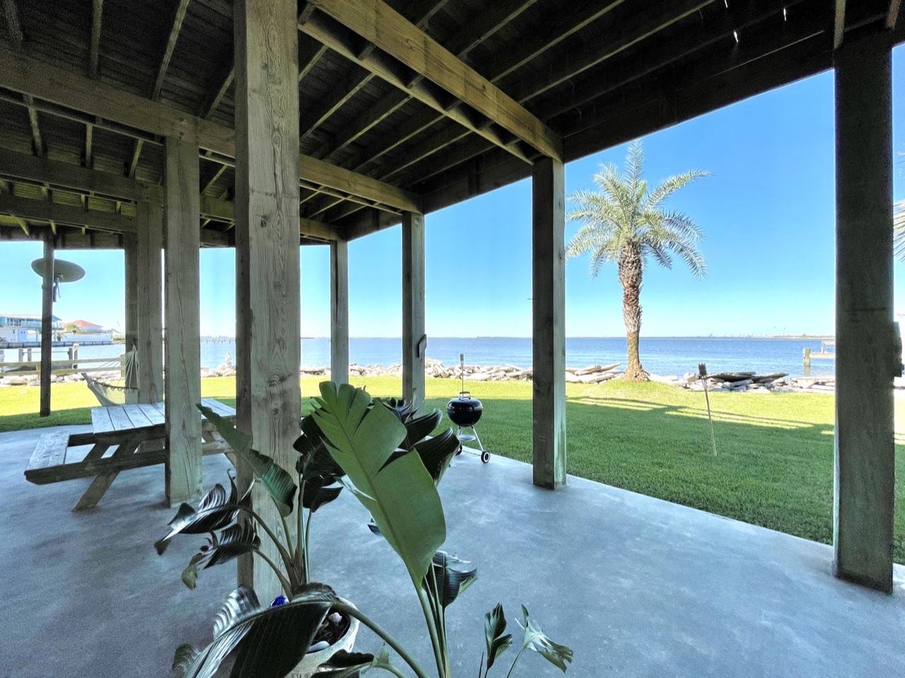 Beach House on the Bay   Photo 57