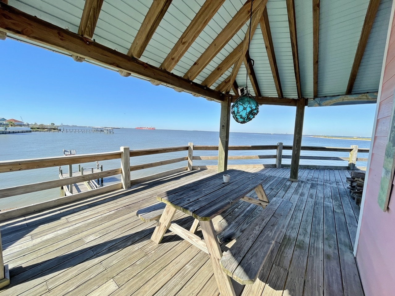 Beach House on the Bay   Photo 7