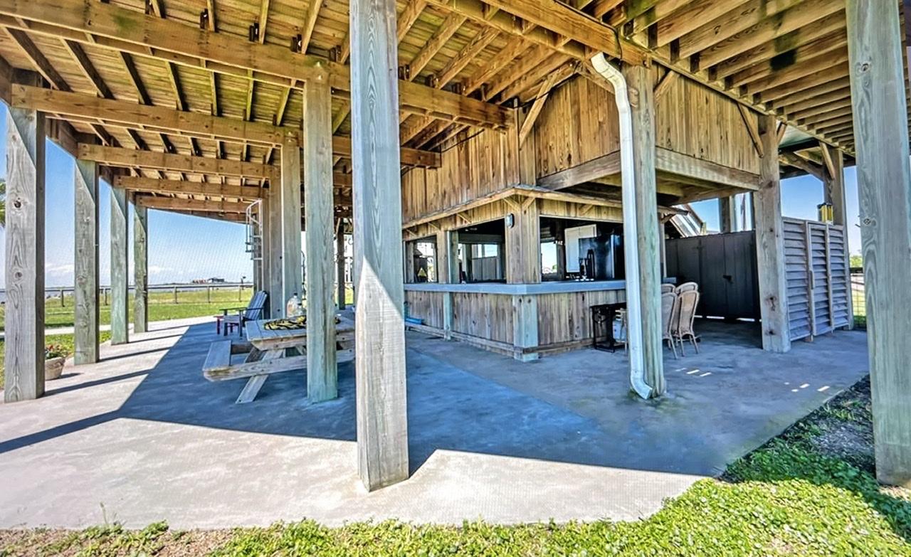 Beach House on the Bay   Photo 48