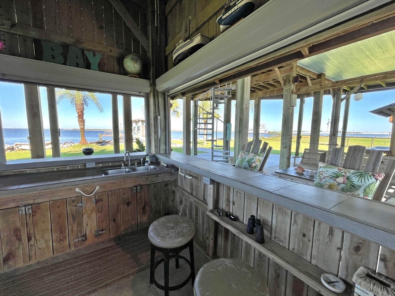 Beach House on the Bay   Photo 49