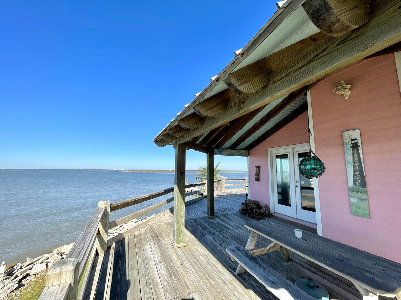 Beach House on the Bay   Photo 37