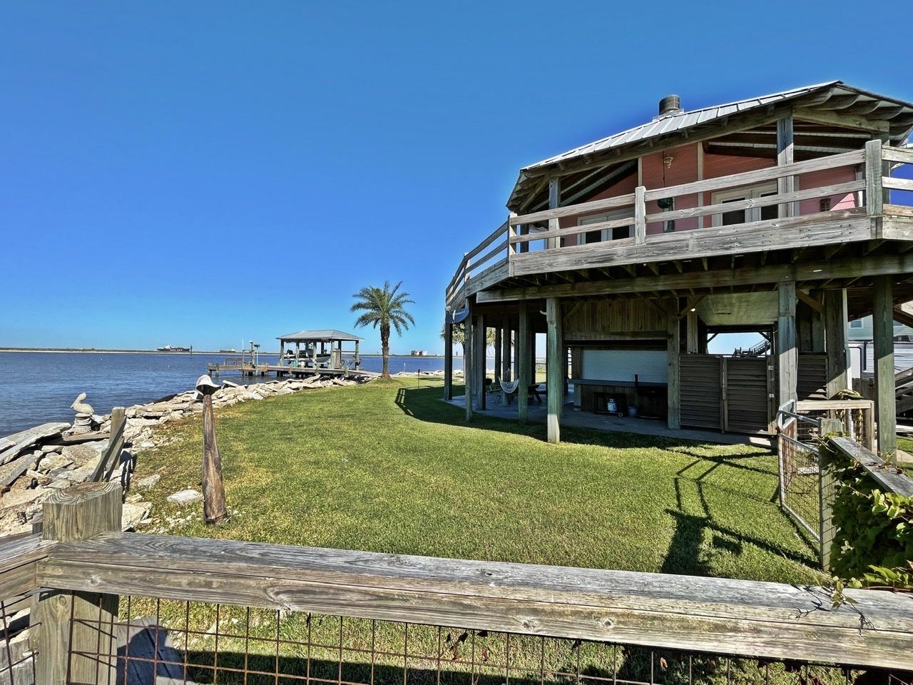 Beach House on the Bay   Photo 45