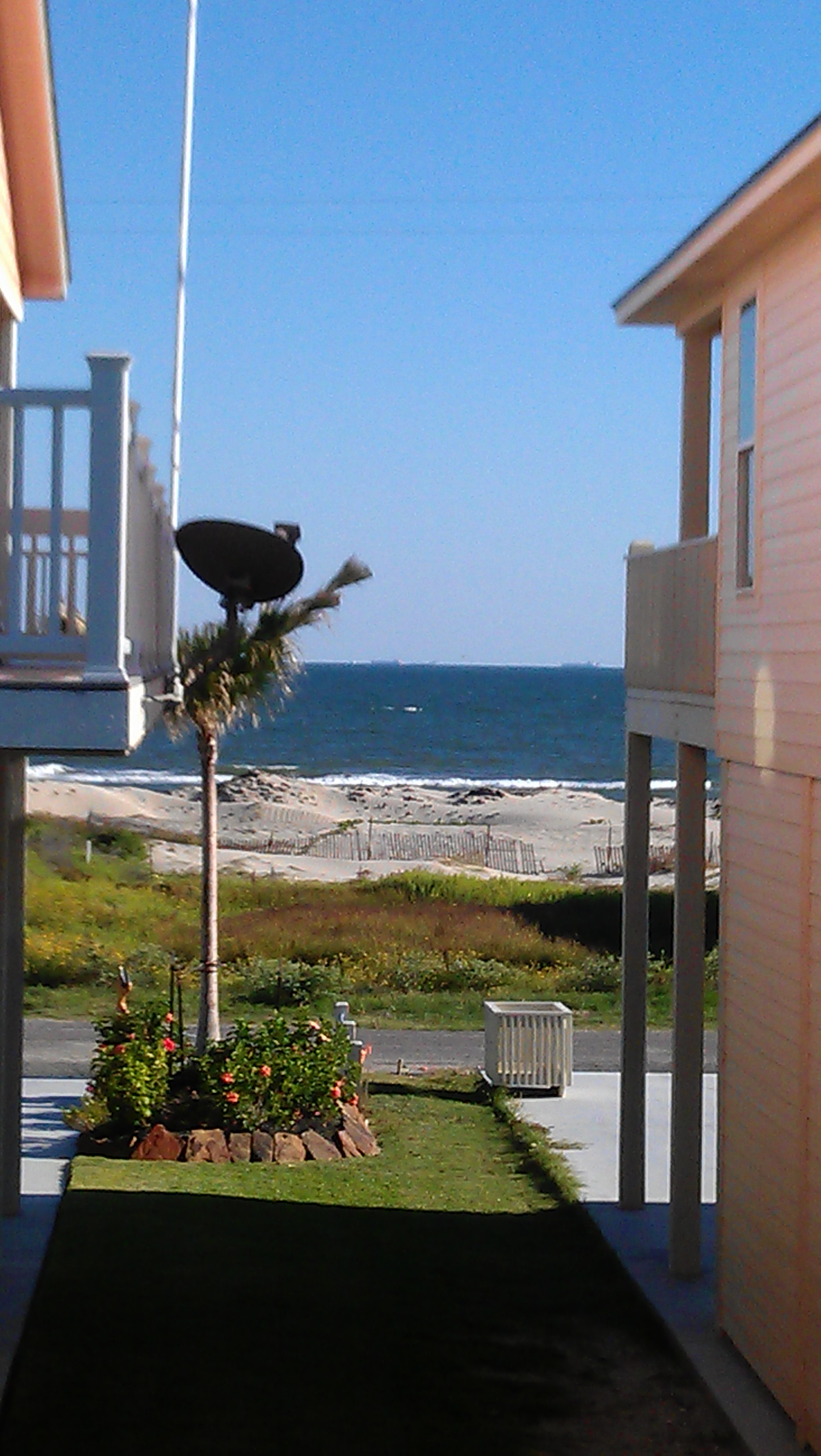 Cobb Real Estate Crystal Beach TX 2 Sandpiper Zoomed In Deck Vie