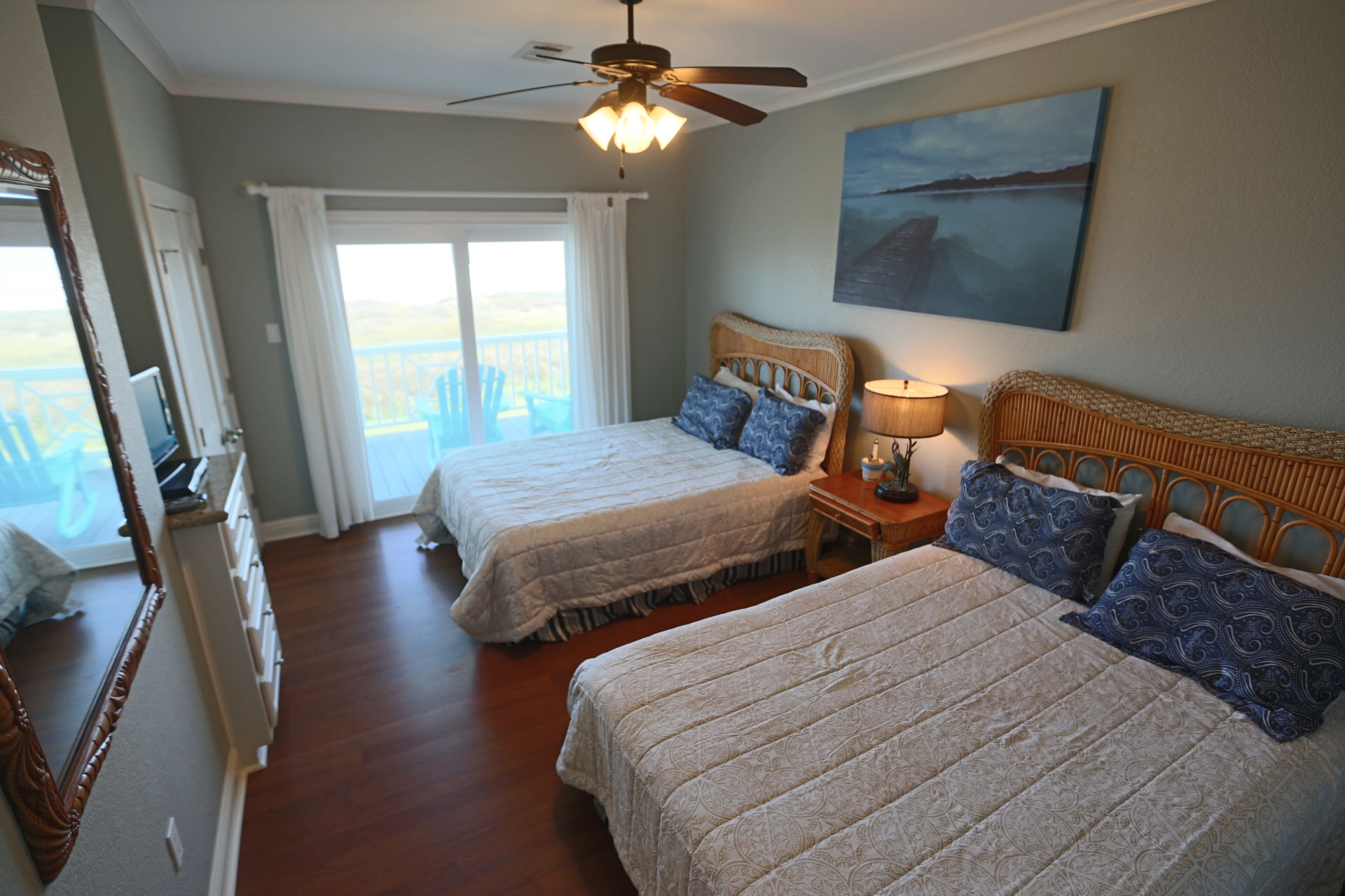 The Ritz of Crystal Beach | Photo 17