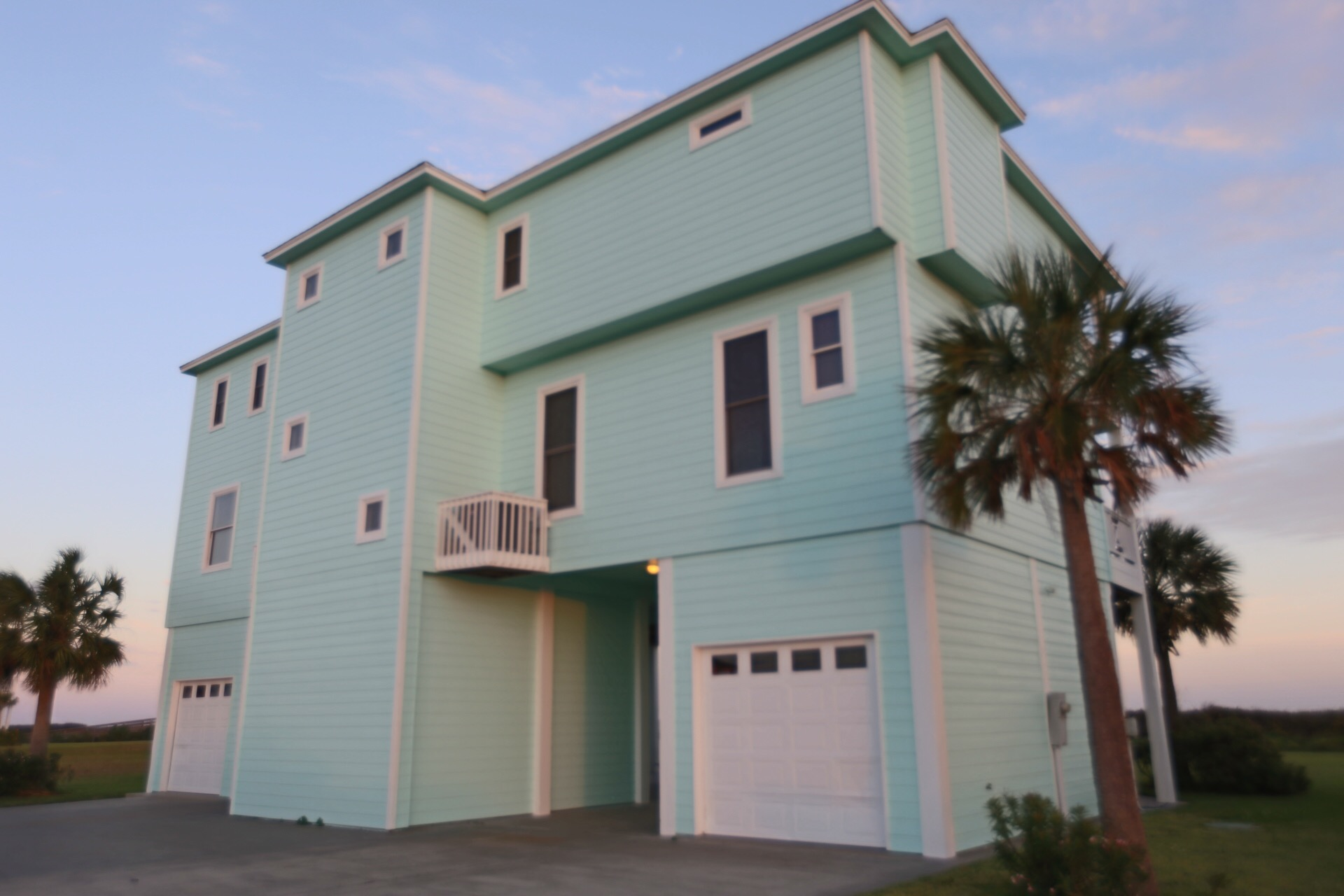 The Ritz of Crystal Beach | Photo 4