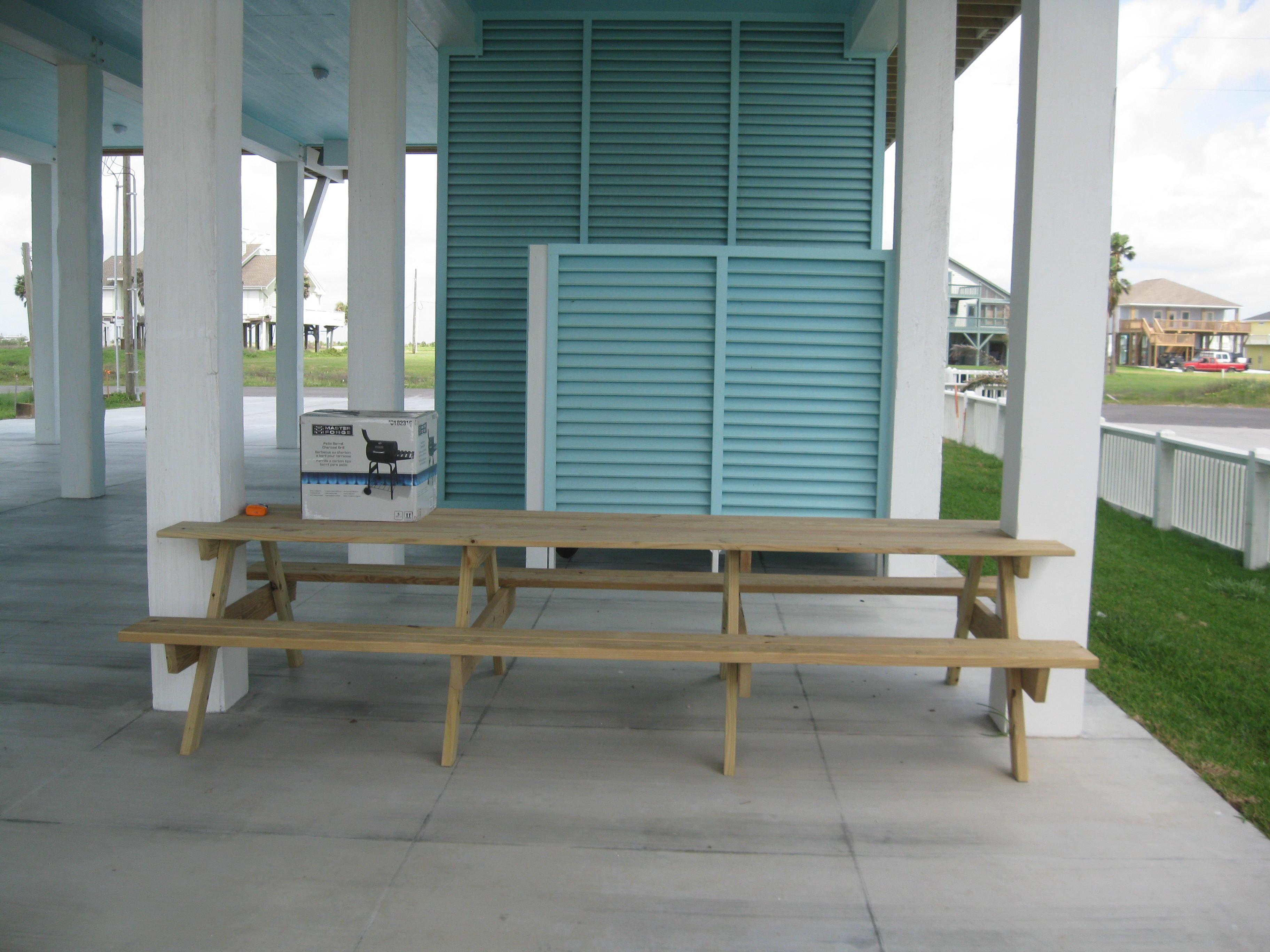 Copa Picnic Table/ Outside Shower