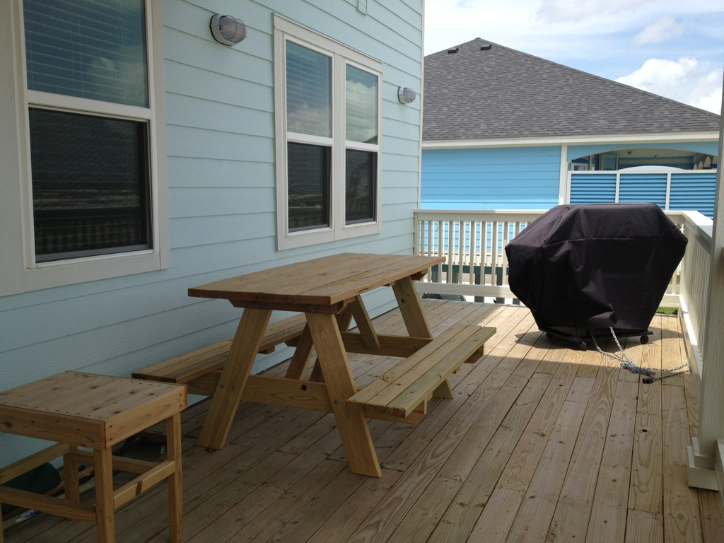 Janie's Picnic Table on First Level Deck